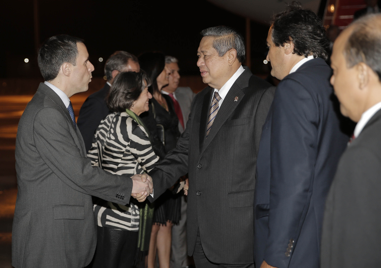 Presiden SBY dan IBN Ani Yudhoyono serta rombongan tiba di Lisabon Portugal