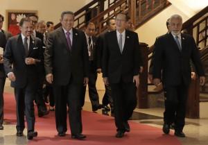 Presiden SBY bersama PM Timor Leste Xanana Gusmao, Presiden Filipina Benigno Aquiono III, dan Sultan Hasanah Bolkiah di acara BDF VII