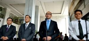 Menkeu, Gubernur BI, Ketua OJK, dan Ketua Dewan Komisioner LPS dalam konpers di Kemenkeu, Senin (6/10).
