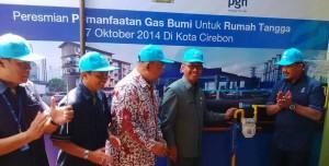 Peresmian jaringan gas bumi di Cirebon, Selasa (7/10)