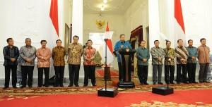 Presiden SBY menyampaikan keterangan pers terkait terbit 2 Perppu