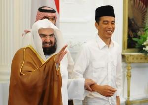 Presiden Jokowi bersama Imam Besar Masjidil Haram, di Istana Merdeka, Jumat (31/10)