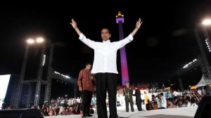 Presiden Jokowi di atas panggung Pesta Rakyat, Monas, Jakarta, Senin (20/10)