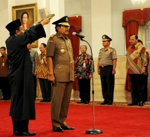 HM. Prasetyo saat dilantik sebagai Jaksa Agung, di Istana Negara, Kamis (20/11)
