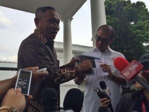 Seskab Andi Wijayanto bersama Kepala BPLS Sunarso seusai membahas masalah korban lumpur Lapindo, Kamis (4/12)