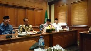 Presiden Jokowi didampingi Menag Lukman Hakim Saefudin bersilaturahim dengan Ketua Umum PBNU Said Aqil Siraj, di kantor PBNU, Jakarta, Rabu (24/12) pagi