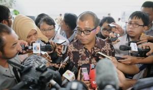 Seskab Andi Wijayanto menjawab wartawan di Istana Bogor, Kamis (22/1)
