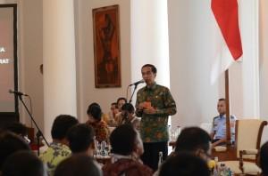 Presiden Joko Widodo (Jokowi) Kamis (29/1) saat menerima bupati/walikota Indonesia Timur , di Istana Bogor, Jawa Barat