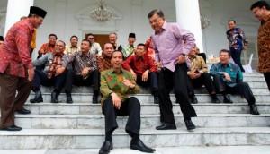 Para Gubernur se Indonesia bersama Presiden Jokowi dan Wakil Presiden Jusuf Kalla, di Istana Bogor, beberapa waktu lalu