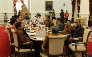 Suasana pertemuan konsultasi antara Presiden Jokowi dengan pimpinan DPD-RI, di Istana Merdeka, Jakarta, Senin (2/2)