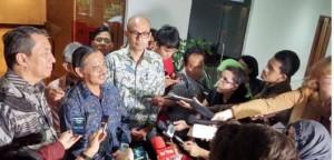Dubes RI untuk Brasil Toto Riyanto memberikan keterangan kepada wartawan, di Kemlu, Jakarta, Senin (23/2) sore
