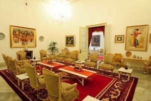 Foto. 3. Ruang Raden Saleh Setelah Berubah Menjadi Ruang Tamu Ibu Negara (Sumber: Bagian Pengelolaan Seni Budaya dan Tata Graha, Sekretariat Presiden)