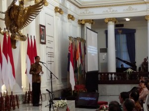 Presiden Jokowi memberikan sambutan pada Raker Kemlu 2015, di Gedung Pancasila, Kemlu RI, Jakarta, Senin (2/2)