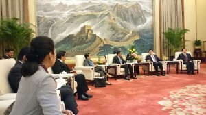 Presiden Jokowi bertemu dengan Ketua Parlemen RRT Zhang Dejiang, di Beijing, Jumat (27/3)