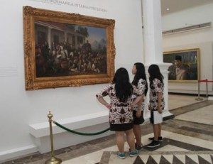 Foto. 2. Penangkapan Diponegoro, Raden Saleh pada Dinding Display Museum Istana Kepresidenan Yogyakarta. (Sumber: Bagian Pengelolaan Seni Budaya dan Tata Graha, Sekretariat Presiden)