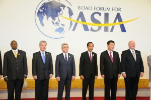 Presiden Jokowi di antara para pemimpin dunia lainnya di Boao Forum for Asia, di Hainan, RRT, Sabtu (28/3) pagi
