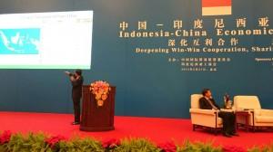 Presiden Menyampaikan Paparan di Forum Kerjasama Ekonomi Indonesia Tiongkok (27/3)