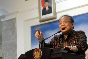 Menko Kemaritiman Indroyono Soesilo memberikan keterangan pers, di kantor Kepresidenan, Jakarta, Rabu (4/3)