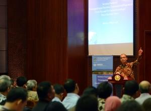 Seskab Andi Widjajanto saat menjadi keynote speaker pada Seminar Maritim, di Kemlu, Jakarta, Senin (2/3)