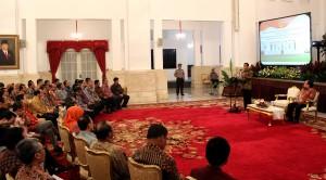 Presiden Jokowi memberikan sambutan pada pencanangan Tahun Pembinaan Wajib Pajak, di Istana Negara, Jakarta, Rabu (29/4) pagi