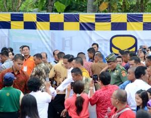 Presiden Jokowi saat pencanangan Program Pembangunan Sejuta Rumah, di Ungaran, Jateng, Rabu (29/4)