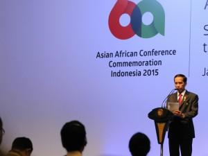 Presiden Jokowi menyampaikan sambutan penutup KAA ke-60, di JCC Jakarta, Kamis (23/4)