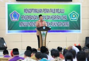 Menteri Agama Lukman Hakim Saifuddin saat membuka Pertemuan Regional FKUB IV, di Manado, Sulut, Rabu (8/4)