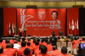 Presiden Jokowi membuka Kongres IV PKPI, di Medan, Sumut, Sabtu (18/4) malam