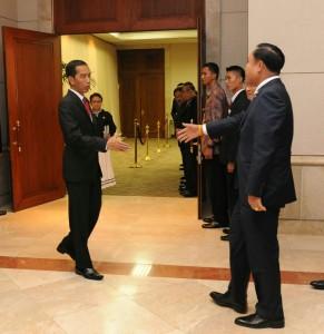 Presiden Jokowi menyambut PM Thailand Prayut Chan O Cha untuk melakukan pembicaraan bilateral, di JCC Jakarta, Kamis (23/4) pagi