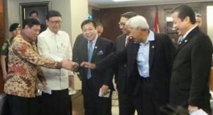 Menko Polhukam Tedjo Edhi Purdijatno dan Mendagri Tjahji Kumolo menemui pimpinan DPR-RI, di Senayan, Jakarta, Rabu (1/4)