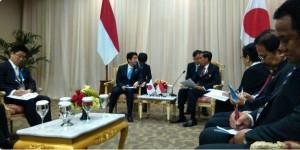 Presiden Jokowi dan PM Jepang Shinzo Abe melakukan pembicaraan bilateral, di JCC Jakarta, Rabu (22/4)