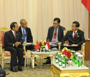 Presiden Jokowi melakukan pembicaraan bilateral dengan PM Timor Leste Taur Matan Ruak, di JCC Jakarta, Kamis (23/4)