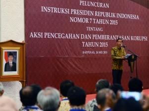 Presiden Jokowi memberikan sambutan pada peluncuran Inpres No. 7/2015, di Gedung Bappenas, Jakarta, Selasa (26/5)