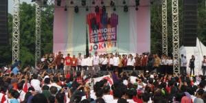 Presiden Jokowi saat hadir dalam Jambore Relawan, di Bumi Perkemahan Cibubur, Jakarta Timur, Sabtu (16/5).