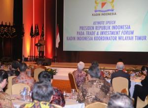 Presiden Jokowi memberikan sambutan pada Rakernas Kadin Timur, di Hotel Borobudur, Jakarta, Senin (25/5) sore.