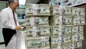 tumpukan dollar