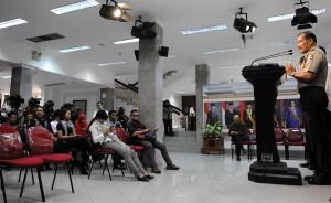 Kapolri Jenderal Badrodin Haiti saat memberikan keterangan pers, di kantor Presiden, Jakarta, Senin (6/7)