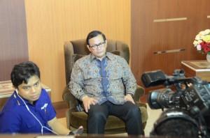 Seskab Pramono Anung saat menjawab pertanyaan Najwa Shihab dalam acara Mata Najwa, di Metro TV, Rabu (12/8) malam