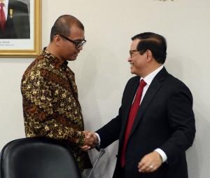 Serah terima jabatan Sekretaris Kabinet dari Andi Widjajanto kepada Pramono Anung, di Gedung III Kemensetneg, Jakarta, Rabu (12/8).