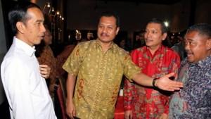 Presiden Jokowi pada satu kesempatan bertemu dengan para Pemimpin Redaksi media massa
