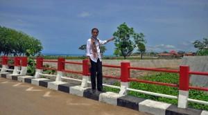 Presiden Jokowi saat meninjau perbatasan RI - Timor Leste, di Motaain, NTT, beberapa waktu laluu