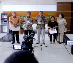 Panitia Seleksi Calon Anggota Ombudsman RI mengumumkan 72 nama yang lolos Tes Obyektif dan Pembuatan Makalah, di Gedung Kemensetneg, Jakarta, Rabu (16/9) siang