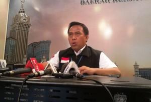 Kepala Daker Mekkah Arsyad Hidayat menyampaikan perkembangan pencarian jemaah haji Indonesia, di Mina, Mekkah, Minggu (27/9)