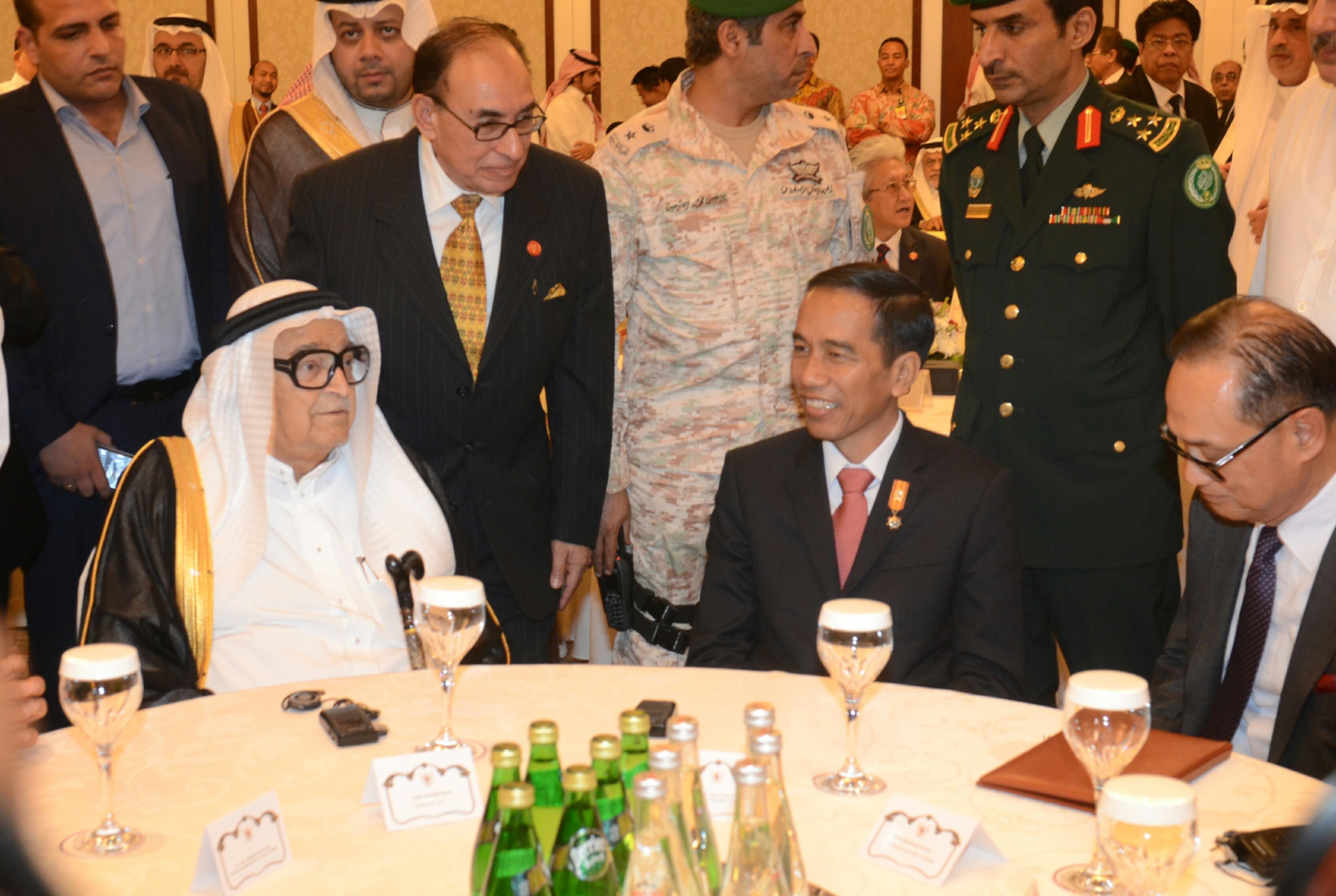 Presiden Jokowi menghadiri Forum Bisnis, di Hotek Crown Plaza, Jeddah, Sabtu (12/9) sore