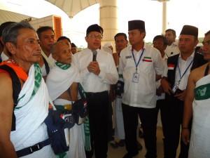 Menteri Agama Lukman Hakim Saifuddin mengunjungi para jemaah haji Indonesia, di Daker Mekkah, Arab Saudi, Jumat (11/9)