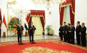 Presiden Jokowi dan Presiden Mesir Abdul Fatah Al-Sisi dalam konperensi pers bersama, di Istana Merdeka, Jakarta, Jumat (4/9) petang