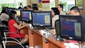 Suasana proses memperoleh perijinan investasi di PTSP Pusat, kantor BKPM, Jakarta