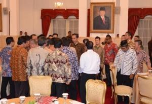Presiden Jokowi mengundang pengusaha dan pedagang beras makan siang, di Istana Negara, Jakarta, Senin (28/9) siang