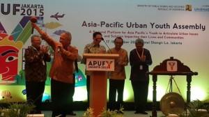 Menteri PUPR Basuki Hadimulojono membukaAsia Pacific Urban Forum (APUF) Youth 2015, di Hotel Shanri La, Jakarta, Minggu (18/10)