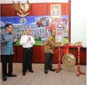 Menteri Desa, PDT, dan Transmigrasi Marwan Jafar meluncurkan Indeks Desa Membangun, di kantor Kemendesa, Jakarta, Senin (19/10)